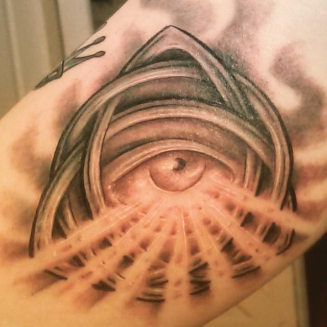 #trinity #eyetattoo #celtictattoo #thomasjacobson @lowbrowstudio  #orlando #tattooshop
