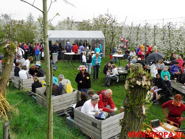 16-04-2011     Rode-Kruis   Bloesem   wandeltocht 26 Km (32)