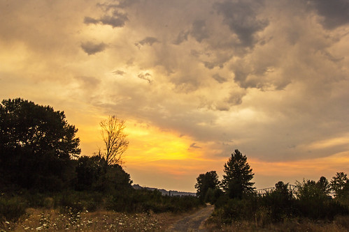 sunset summer clouds oregon columbiariver rainieroregon