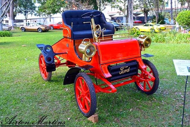 Ford Clássico
