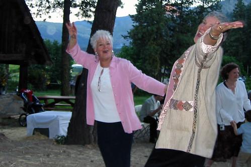 Mimi and Tove dancing