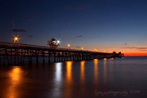 January 2 - Focusing on the Night...a fun evening with the photo club at the San Clemente Pier | by mrsjanj