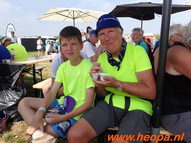 2016-07-21   3e  dag Nijmegen   40 Km  (135)