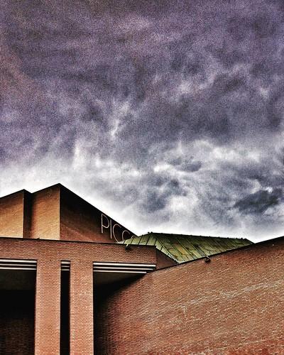 Piccolo  #Milano #milAmo #Italy #italia #igers #igersmilano #teatro #theater #building #square #cube #geometry #city #clouds #cloudporn #sky #instagood #weather #igersitalia #architecture #archilovers | by Mario De Carli