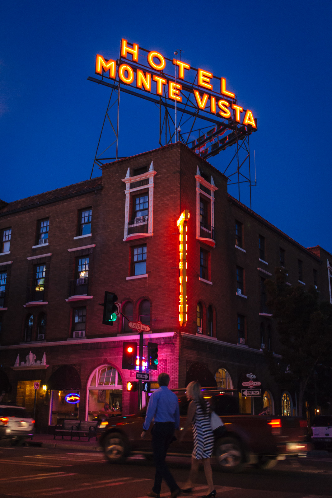 Historic hotel with a neon sign at the blue hour in Flagstaff, Arizona