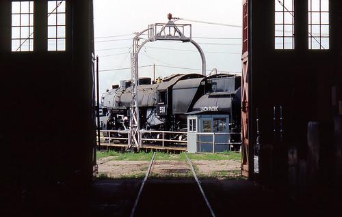 heritage up trains steam unionpacific wyoming cheyenne railroads 2102 ttt6