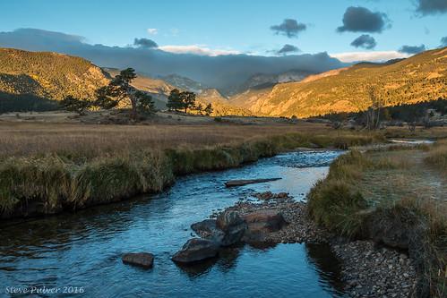 rockymountainnationalpark morainepark landscape colorado fall sunrise morninglight creek water autumn estespark