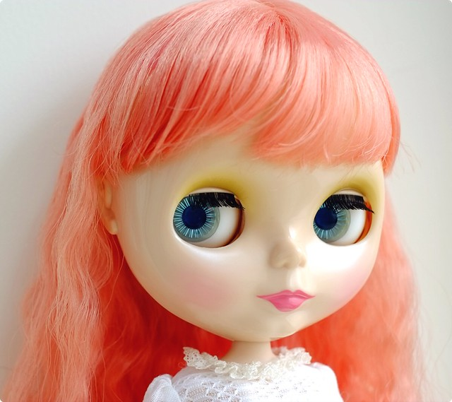 dainty biscuit. She is a beautiful stock I bought recently from my friend, but also will be customized soon.