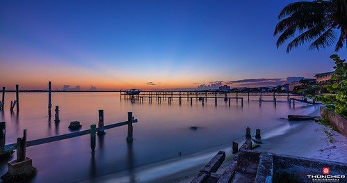 sony a7r2 sonya7r2 ilce7rm2 zeissfe1635mmf4zaoss fx fullframe longexposure scenic landscape waterscape nature outdoors sky clouds sunrise beach tropical palmtrees piers stuart palmcity florida southeastflorida martincounty coastallivingmagazine happiestseasidetown stlucieriver intracoastal