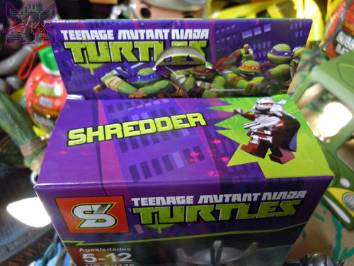 "Sheng Yuan TEENAGE MUTANT NINJA TURTLES :: ""SHREDDER"" Bootleg Minifigure Set / ..box i (( 2014 )) | by tOkKa"