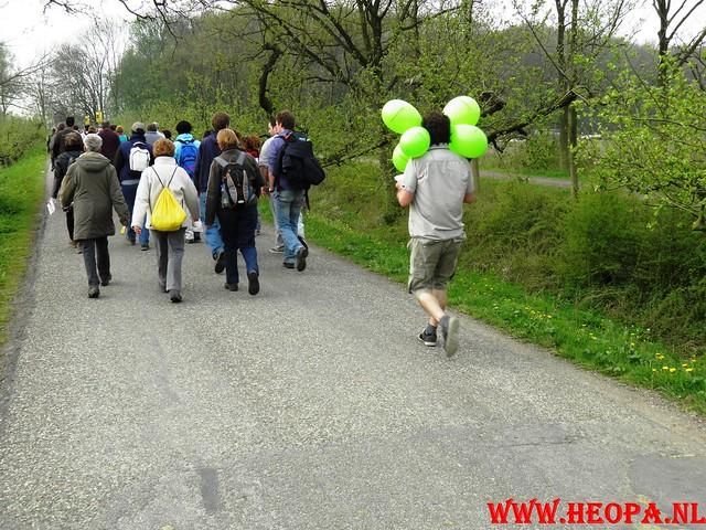 16-04-2011     Rode-Kruis   Bloesem   wandeltocht 26 Km (35)