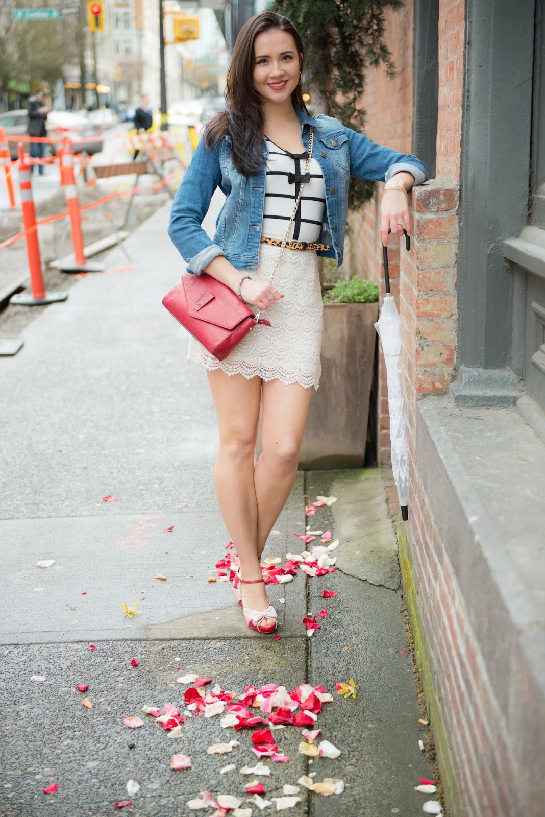 Spring outfit with lace skirt