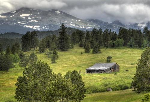 ranch storm weather barn landscape colorado farm pasture rockymountains wilderness shelter oldbuilding overland indianpeaks mountainlandscape bouldercounty mountaudubon highcounty