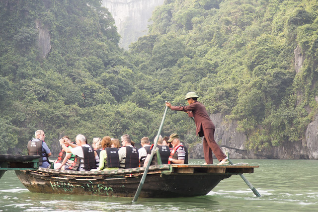 Journey to Hang Luon Cave, Halong Bay