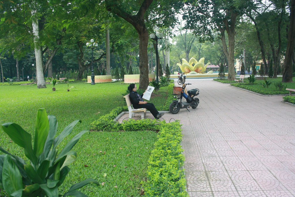 Relaxing in one of the many beautiful parks in Hanoi | Flickr