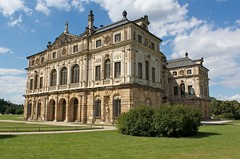 Guide To Taking Photos At Palais Grosser Garten For Scouting Photo Locations Shothotspot