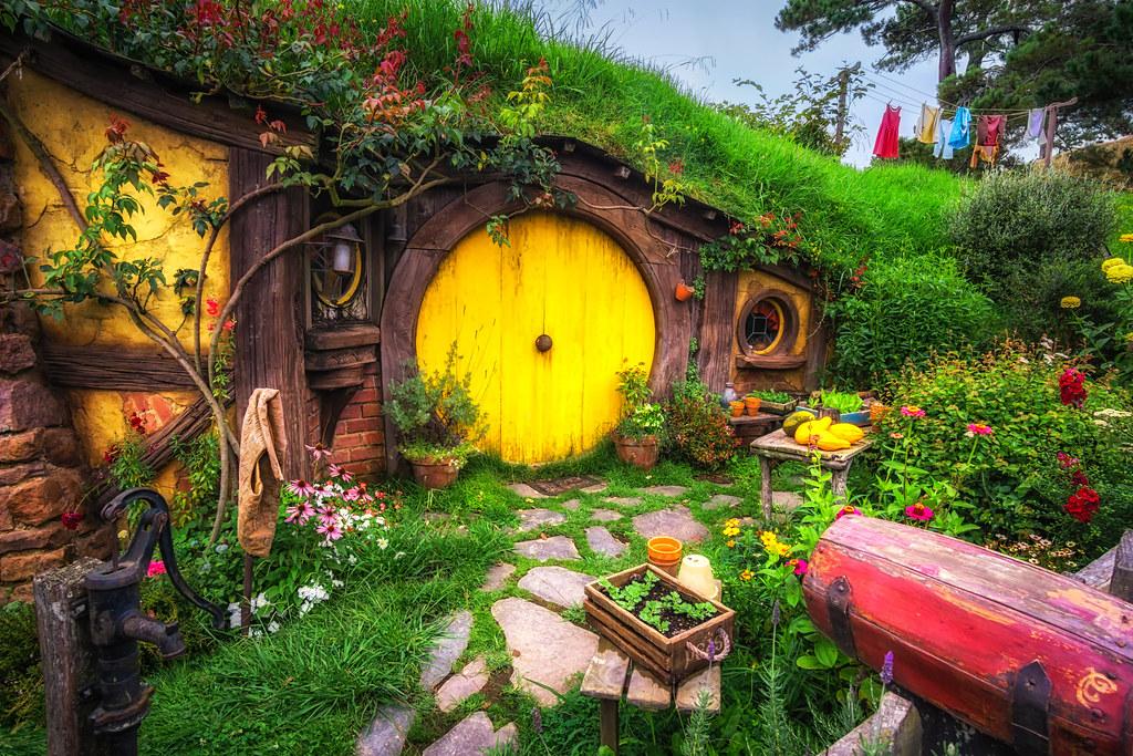 Home Of Samwise Gamgee Hobbit Hole Where Samwise Gamgee Li Flickr