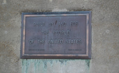 Shasta Dam 'people' plaque  (1128)