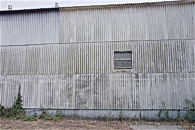 Corrugation in Flagrante