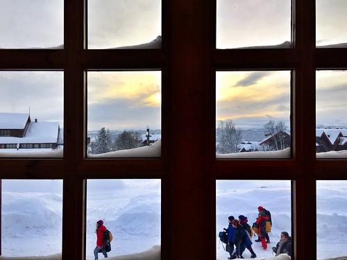 schnee sunset sun white snow window norway soleil norge fenster sonne kar beitostølen snø helios skiers güneş weis johannwolfgangvongoethe valdres pencere jotunstogo nothingisworthmorethanthisdayyoucannotreliveyesterdaytomorrowisstillbeyondourreach