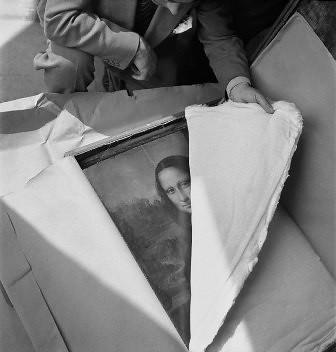 La Mona Lisa embalada para su evacuación