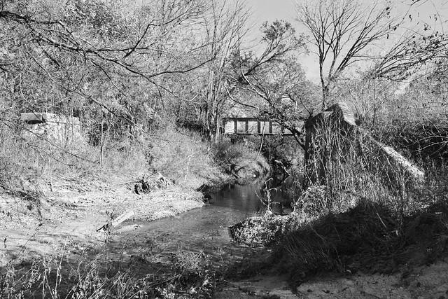 Bridge Supports & Railroad Bridge over Cottonwood Creek, Allen, Texas 1411261350bw