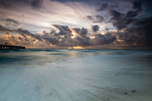 longexposure sky beach water clouds sunrise canon dawn pier unitedstates florida palmbeach 6d lakeworthpier fotodiox tse17 wonderpana