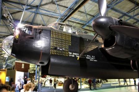 Lancaster con la frase de Göring pintada en su fuselaje