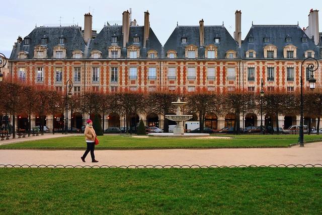 Paris : A Winter Place des Vosges