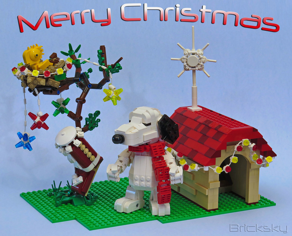 Snoopys Christmas.Snoopy Christmas Snoopy S House Is All Lit Up Woodstock S