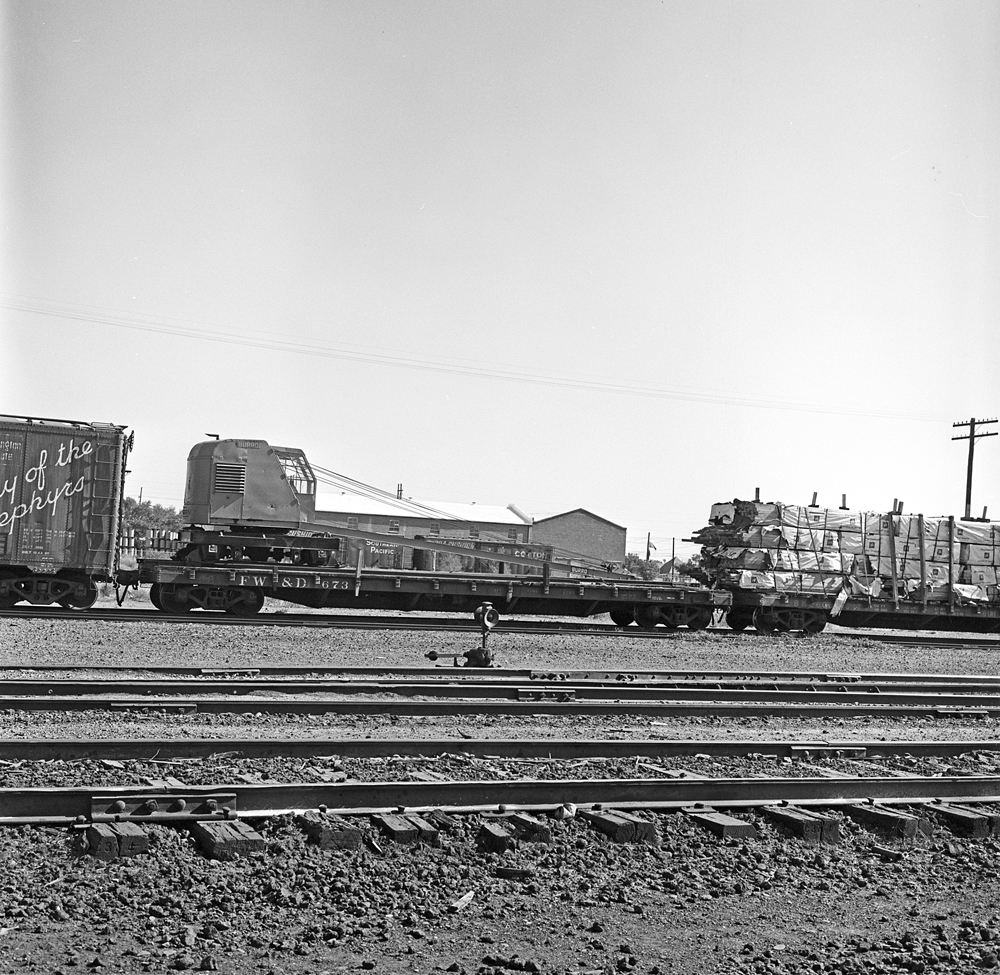 [Fort Worth & Denver City, Flat Car 673]