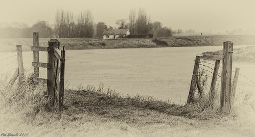england misty landscape unitedkingdom farmland stowbridge