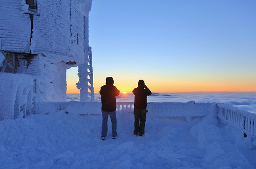 new sunset two snow tower guests clouds observation washington december skies mt watching nh hampshire dec clear mount deck observatory below rime visitors viewing stratus 2014 undercast photograghing