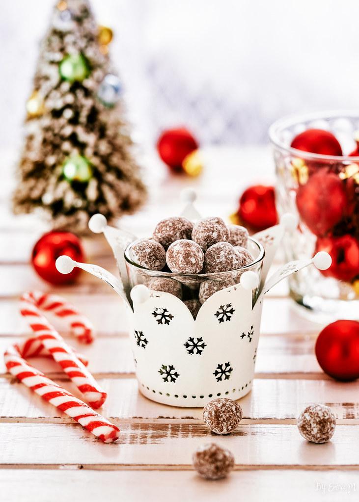 Christmas nougat balls