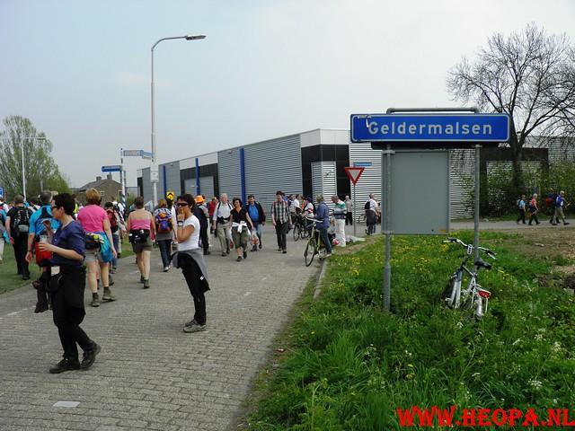 16-04-2011     Rode-Kruis   Bloesem   wandeltocht 26 Km (116)