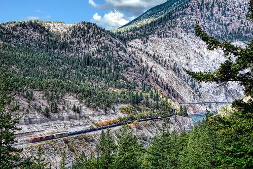 oil cp canadianpacific lytton bc britishcolumbia canada thompson river canyon ac4400cw 8553 8619 mountain nikon d7100 september 2016 ashcroftsub