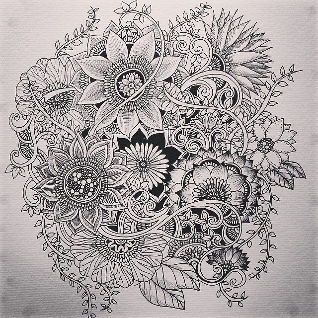 Here is the complete picture.  #zia #zenart #Zendoodle #zentangle #ink #instart #instadraw #instagood #instadaily #instadoodle #flower #learnzentangle #botanical #beautiful #art #artist #artists #artistic #artistlife #artist_4_shoutout #design #doodle #dr