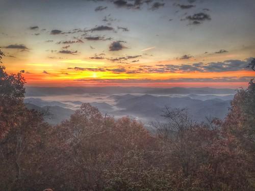morning dawn at appalachian trail sunrise mountains fall bryson city