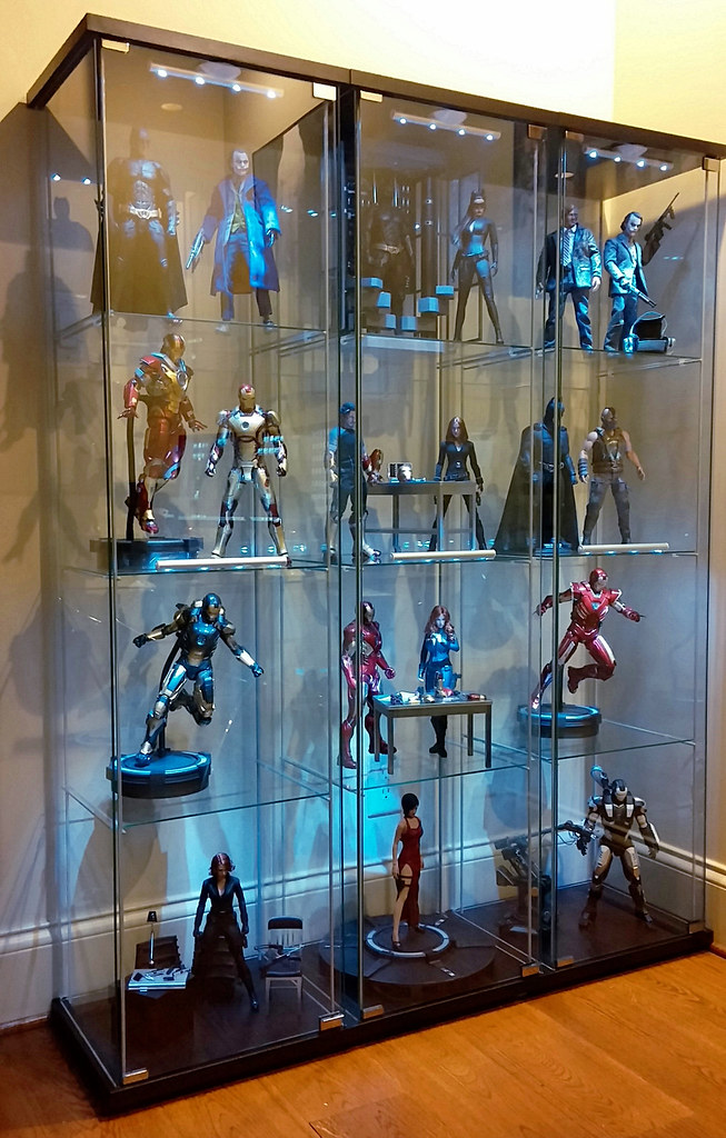 Re Arrangement New Display Cabinet My 1 6 Hot Toys Colle Flickr