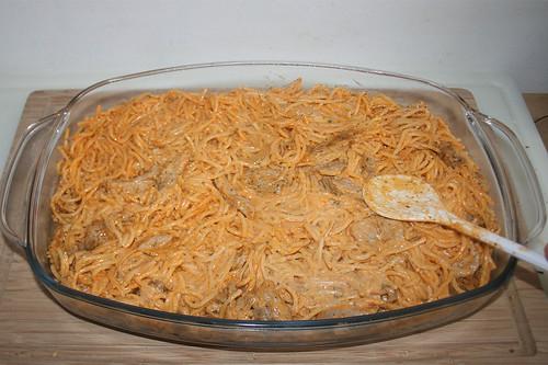 27 - Mischung in Auflaufform geben / Put mix in casserole