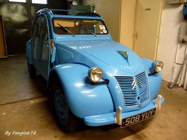 Citroën 2CV (conduite à droite)