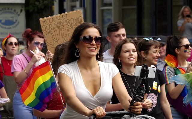 sheffield pride 2018  street parade  (1)