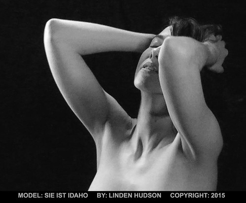 FEMALE POSE - MOOD - B&W | by lindenhud1