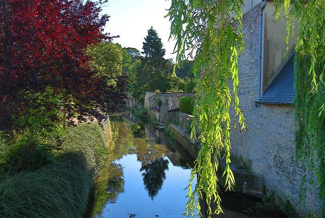 Reflets sur l'Aure, Bayeux, Normandie
