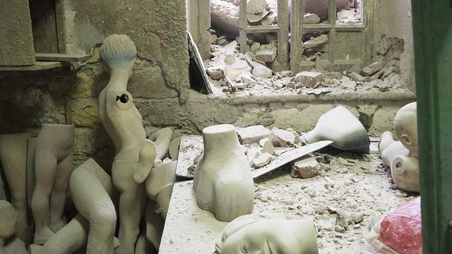 Destroyed mannequins workshop
