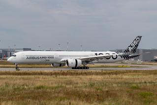 A350-1041 Airbus F-WLXV MSN65   by hendriksehoof55