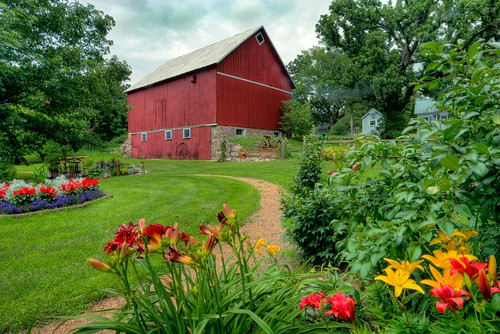 wisconsin saxeville saxevillewisconsin wausharacounty farm barn flowers summer usa midwest america northamerica centralwisconsin badgerstate digital canon canoneos canon6d geotagged floral beauty landscape hdr photomatix tonemapping colorful agriculture