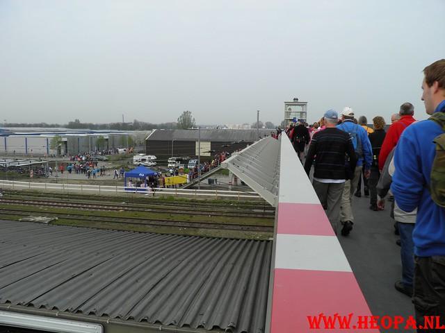 16-04-2011     Rode-Kruis   Bloesem   wandeltocht 26 Km (2)