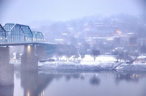 park blue orange white snow cold reflection beautiful misty fog lights evening twilight flickr glow tennessee northshore walnutstreetbridge blizzard wintertrees tennesseeriver chattanoogatn coolidgepark bluffviewartdistrict graycloudysky