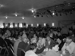600 gasten aan tafel voor een buffet